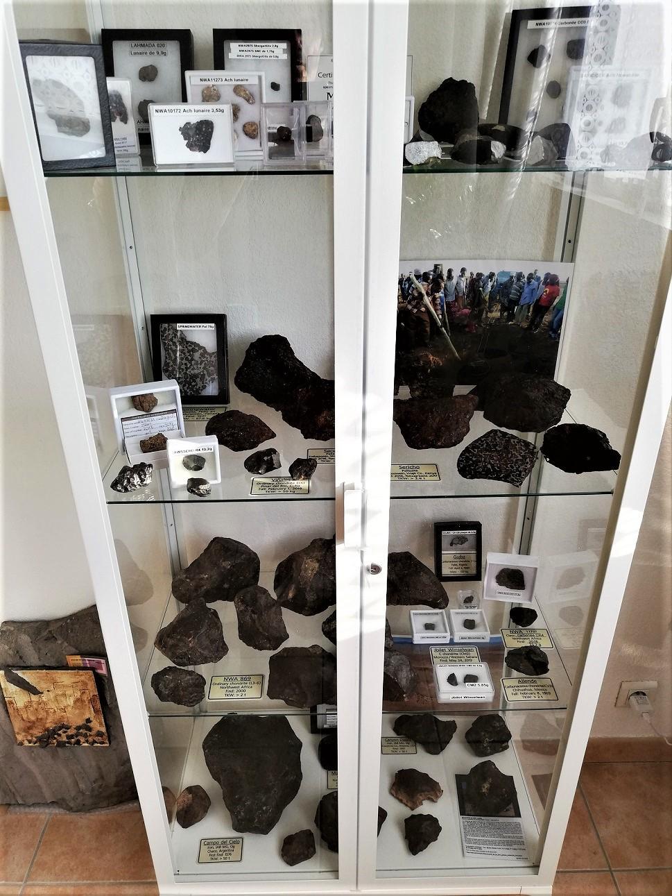 Vitrine collection meteorite kessler